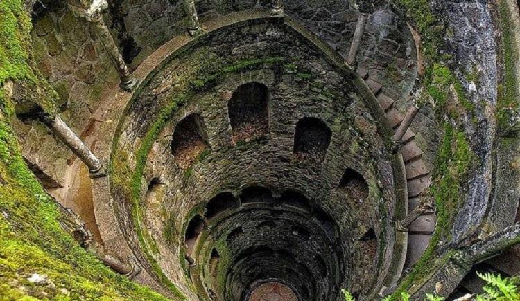 La Torre al contrario di Sintra
